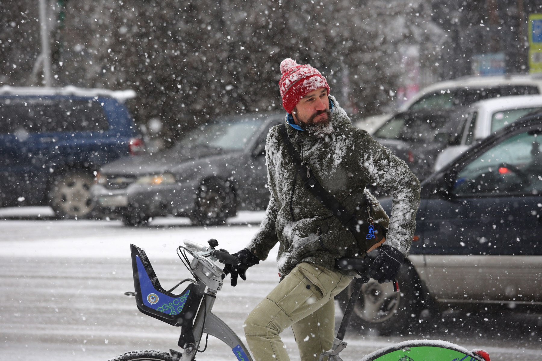 Александр Габченко на велосипеде Алматы Bike, зимой на велосипеде, Александр Габченко