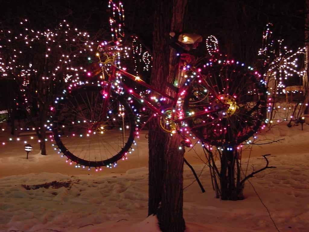 Как украсить велосипед на новый год